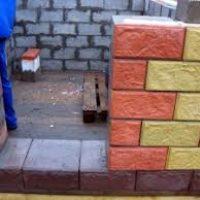Как выбрать каменщика для строительства дома из теплоблоков